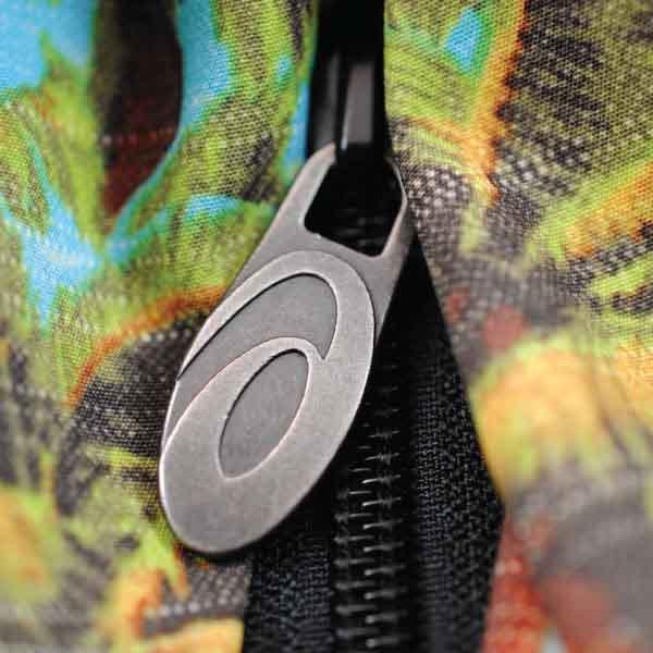 Asics Metal Zipper Pull