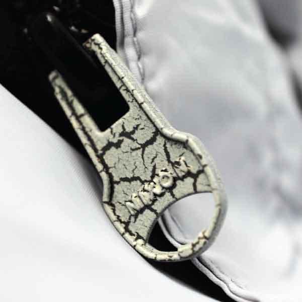Nixon Metal Zipper Pull