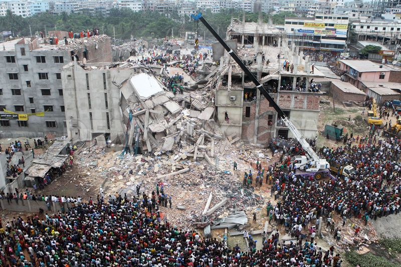 Brand-ID-rescue-continues-for-a-second-day-at-rana-plaza-in-dhaka_1994603